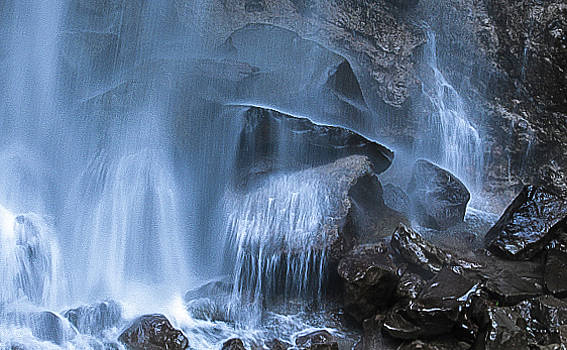 Venetia Featherstone-Witty - The Hidden Waterfall