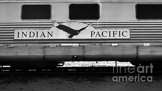 Tim Richards - The Indian Pacific BW