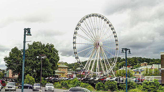 The Island Smoky Mountain Wheel by Ules Barnwell