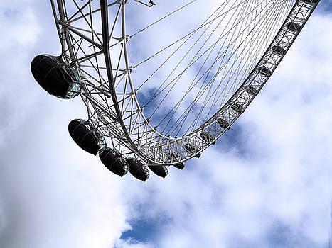 The London Eye Yi Yi by Joe Schofield