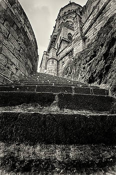 The Long Walk Up by Richard Espenant