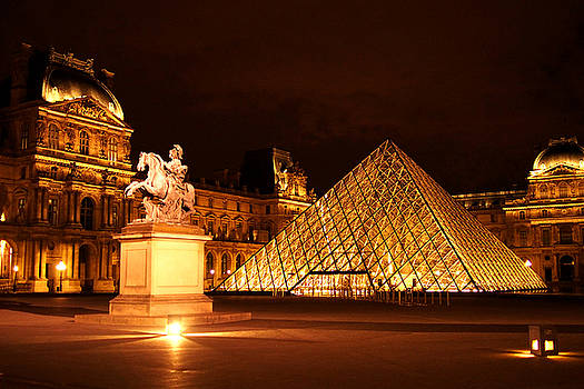 The Louvre Museum by Kelsey Horne