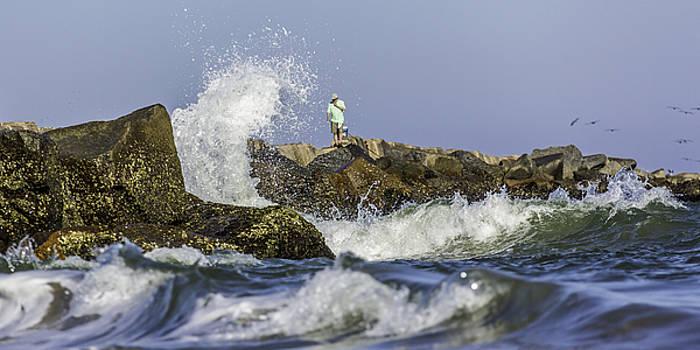 Paula Porterfield-Izzo - The Man and The Raging Sea