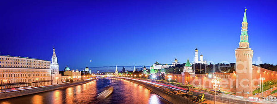 Delphimages Photo Creations - Moskva River