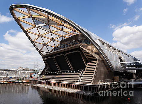 The New  Crossrail Station at Canary Wharf  by John Gaffen