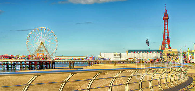 The North Pier Blackpool by Linsey Williams
