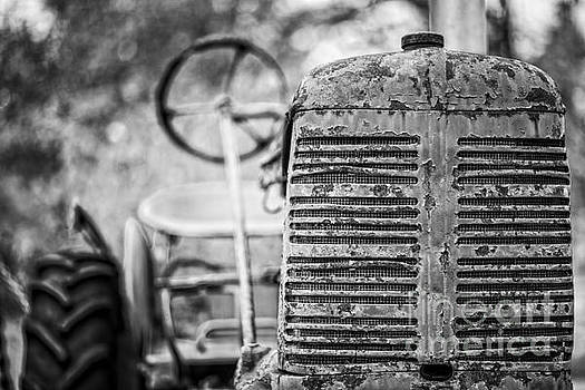 Edward Fielding - The old farm tractor