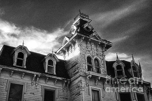 The Old Haunted Bruce Mansion by Jeff Holbrook