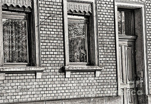 Jeff Breiman - The Old Man In The Window