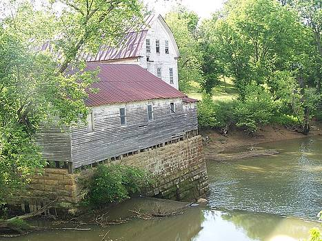 The Old Mill in Kentucky by Mike Hazelwood