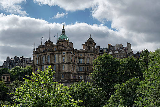 The Old Town in Edinburgh by Jeremy Lavender Photography