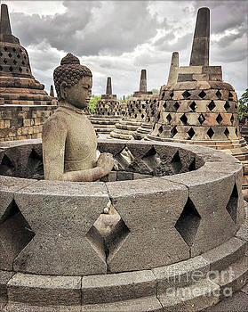 Edit Kalman - The Path of the Buddha #4