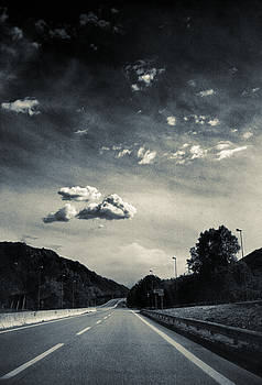 Silvia Ganora - The road and the clouds