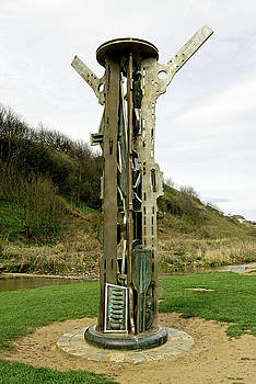 The Signal Sculpture - Saltburn by Rod Johnson