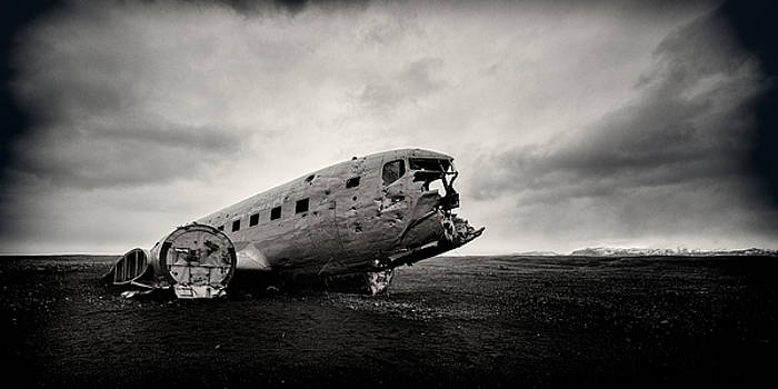 The Solheimsandur Plane Wreck by Tor-Ivar Naess