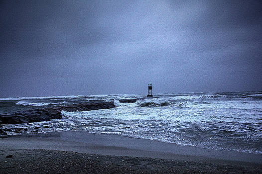 The Storm by Steve Gravano
