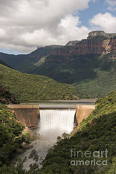 Compuinfoto  - the swadini dam near the blyde river
