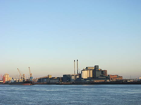The Tate And Lyle Sugar Factory -silvertown - London by Mudiama Kammoh