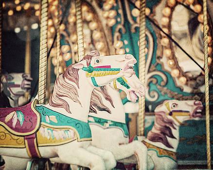 Lisa Russo - The Three White Horses