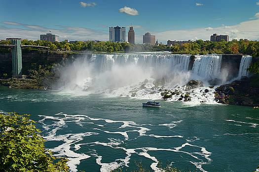 Reimar Gaertner - The USA Niagara Falls lookout tower and sightseeing boat New Yor