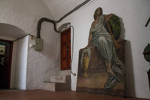 The waiting angel by Monica Aguilar Villamarin