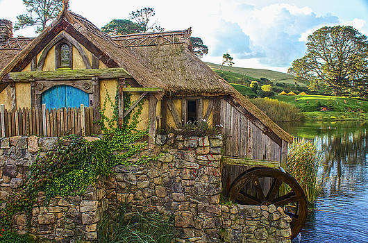 Venetia Featherstone-Witty - The Watermill, Bag End, The Shire
