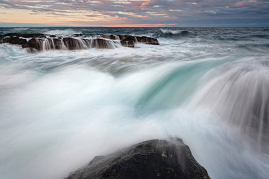 The Wave by Evgeni Dinev
