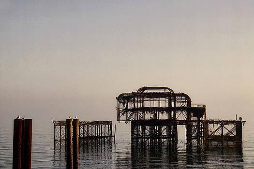 The West Pier, Brighton by Gavin Bates