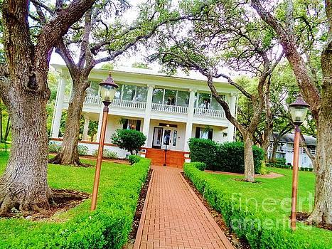 The Winfield Inn, Kyle, Texas by Chuck Taylor