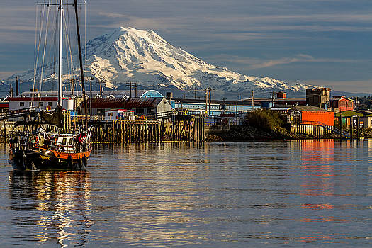 Thea Foss Waterway and Rainier 1 by Rob Green