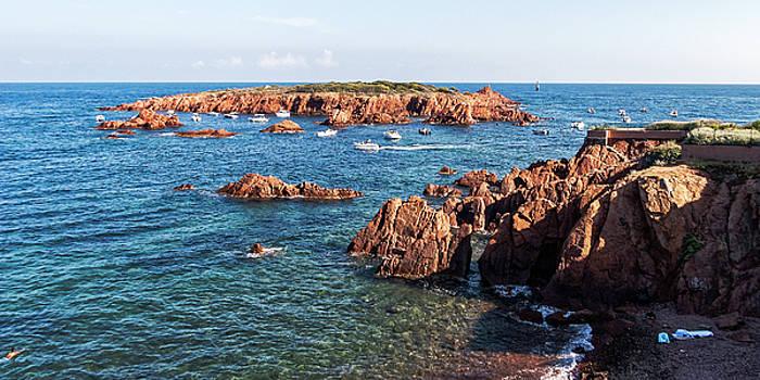 Theoule-sur-Mer by Ron Dubin