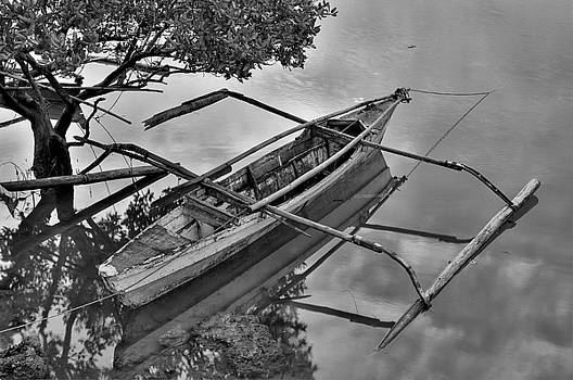 Paul W Sharpe Aka Wizard of Wonders - This is the Philippines 1 - Broken Fishing Boat