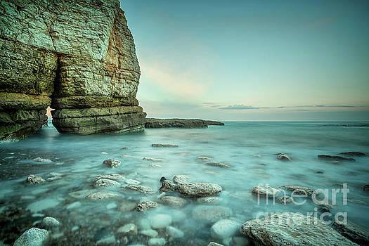 Thornwick Bay - Flamborough Head by Martin Williams