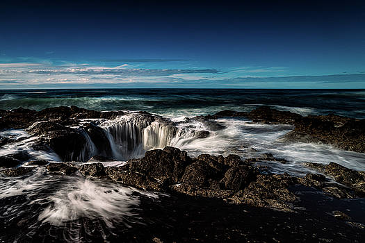 Thor's Well by Jim Simmermon