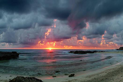 Threatening sky above the Caribbean Sea off Isle de Mujeras' North Shore by Dean Hueber