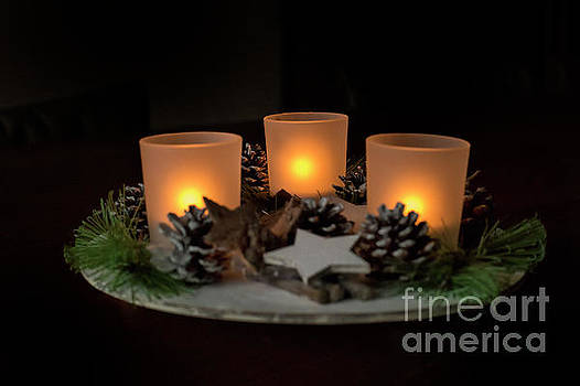 Patricia Hofmeester - Three candles for christmas