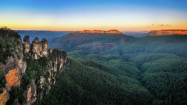 Three Sisters Sunrise View in Blue Mountains, Australia by Daniela Constantinescu