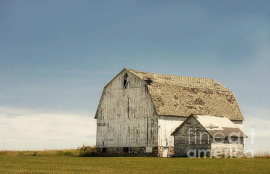 Thumb Barn by Karen Hofmann