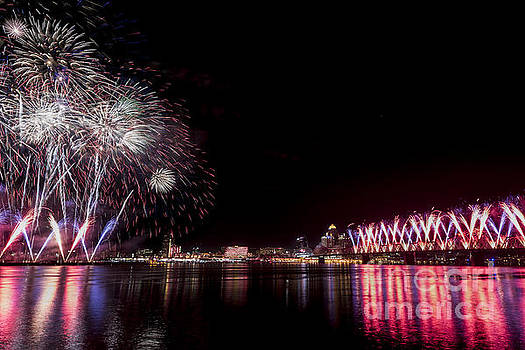 Thunder Over Louisville by Andrea Silies