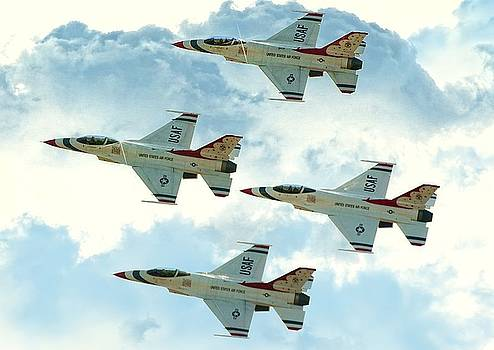 Robert Hayes - Thunderbirds Delta Formation