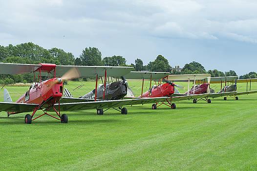 Tiger Moths formation shutdown by Gary Eason