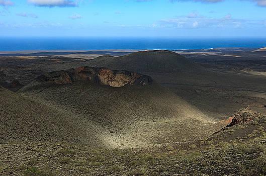 Timanfaya crater view by Johan Elzenga