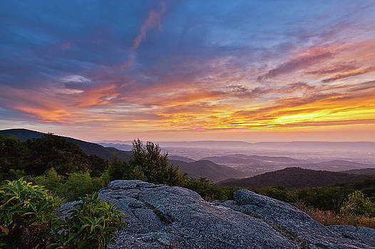 Timber Hollow Overlook Sunset 2 by Lara Ellis