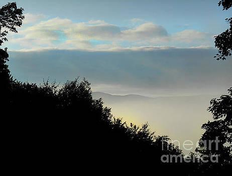 Felipe Adan Lerma - Timberholm Inn Morning View Stowe Vt