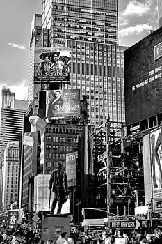 Robert Meyers-Lussier - Times Square Summer 2016 V 2