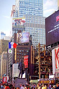 Robert Meyers-Lussier - Times Square Summer 2016 V