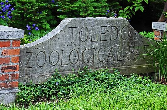 Toledo Zoological Park by Michiale Schneider