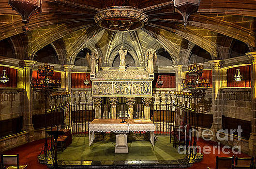 RicardMN Photography - Tomb of Saint Eulalia in the crypt of Barcelona Cathedral