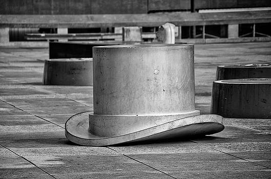 Top Hat Game Piece Statue - Philadelphia in Black and White by Bill Cannon