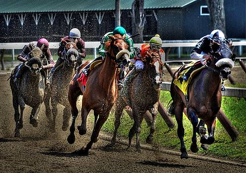 Top Of The Stretch At Saratoga by Jeff Watts